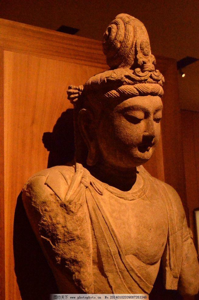 古代木雕佛头图片