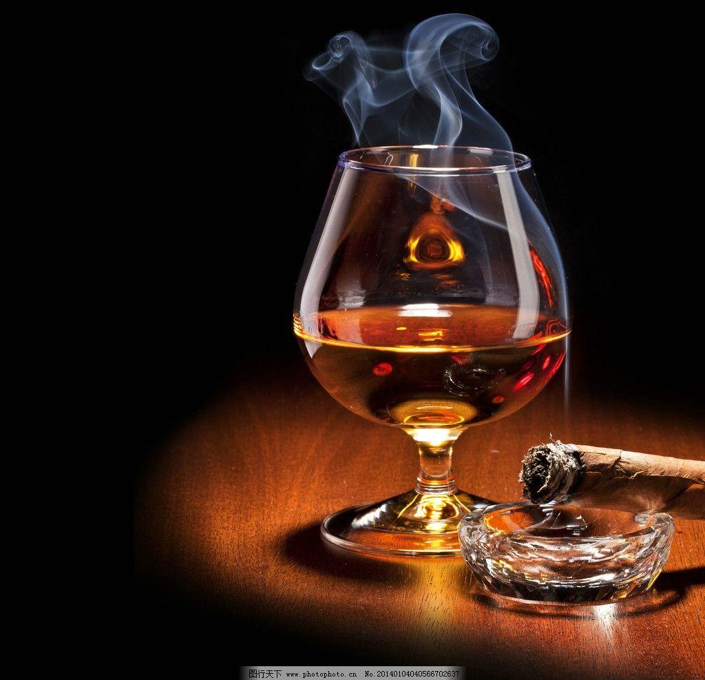 洋酒 威士忌 红酒 葡萄酒 雪茄 倒酒 酒杯 玻璃瓶 冰块 酒水