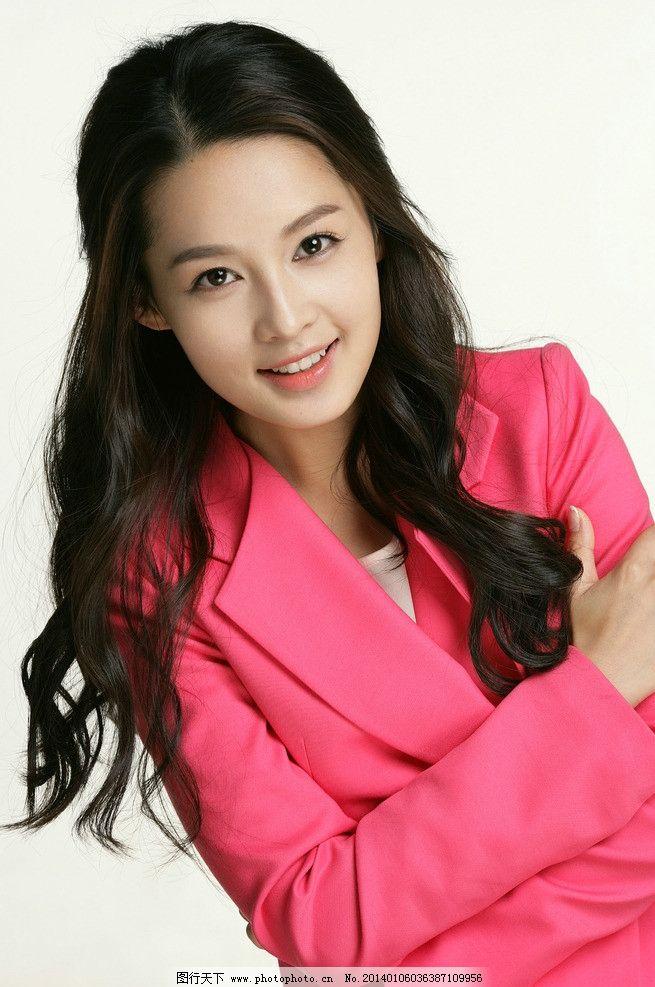 李沁 明星 美女 演员 红楼梦 红色套装 长发 摄影