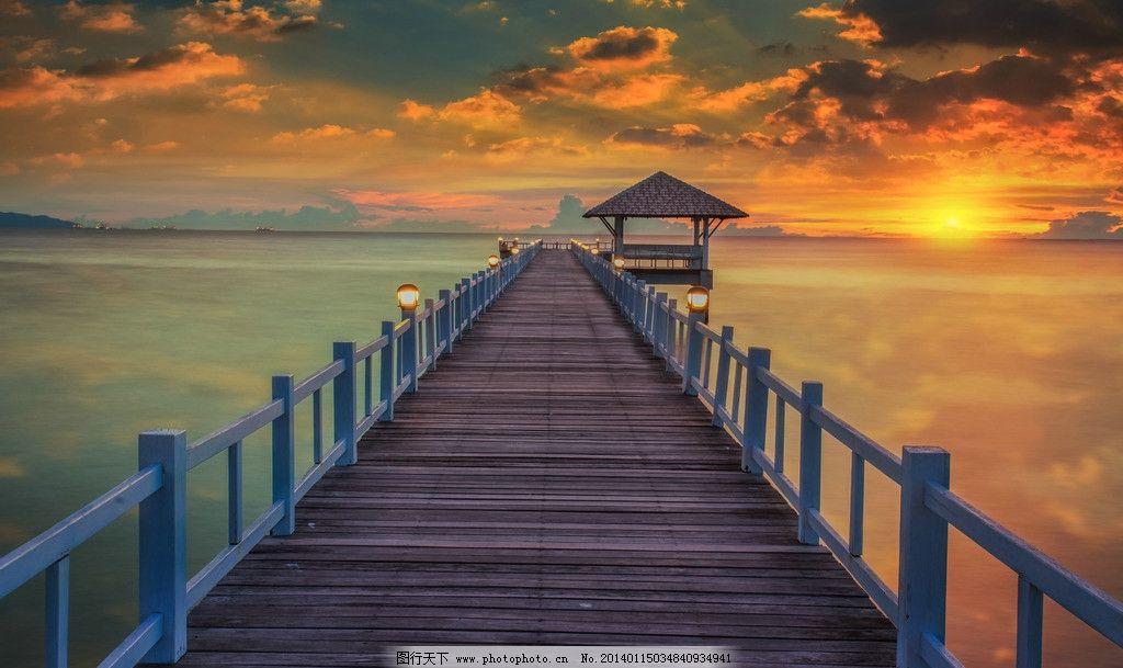 海岸 独木桥 海滩 海水 大海 海浪 海洋 桥梁 夕阳 晚霞 自然风景