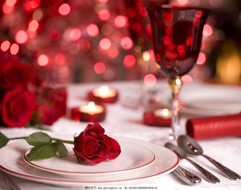 葡萄酒 红葡萄酒 红酒 玫瑰花 绿叶 丝带 蜡烛 烛光 高脚杯 情人节 饮