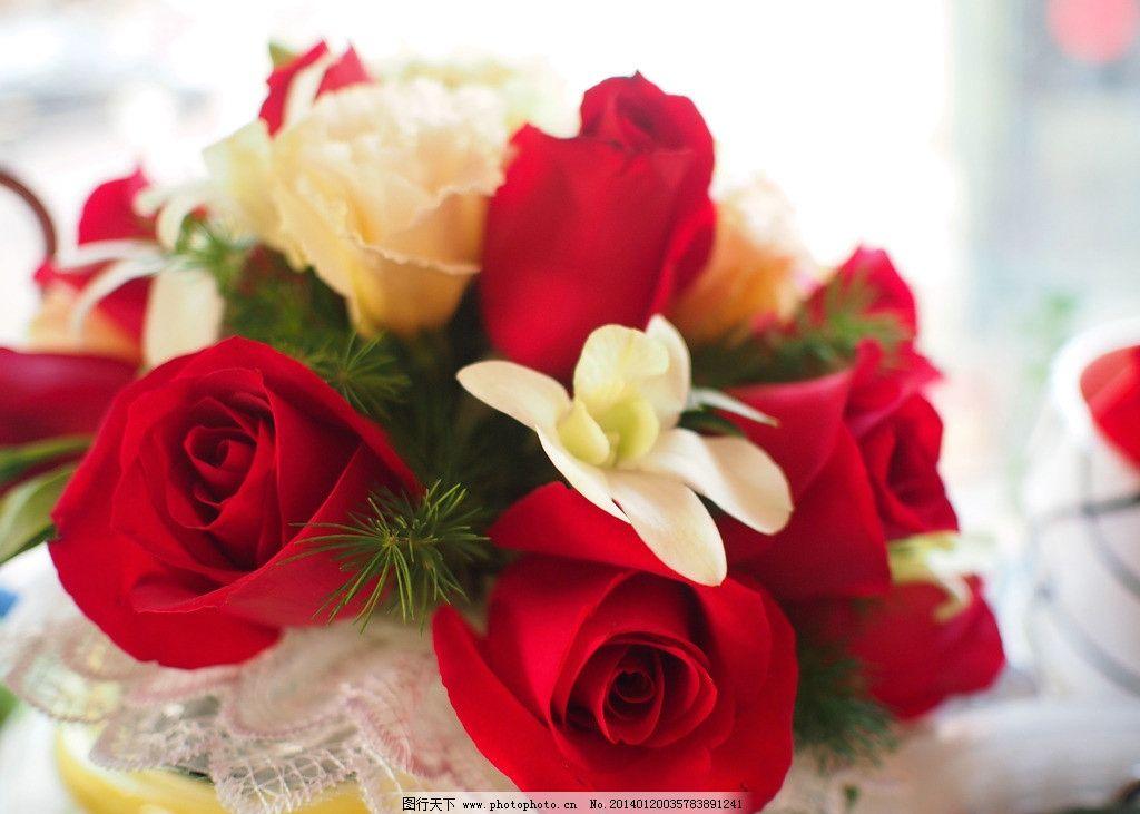 玫瑰手捧花图片
