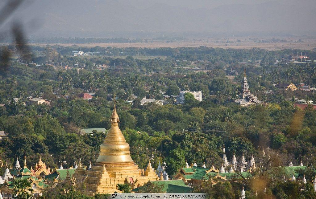 俯瞰曼德勒市容 缅甸 曼德勒 瓦城 山顶 金色 佛塔 树木 曼德勒印象