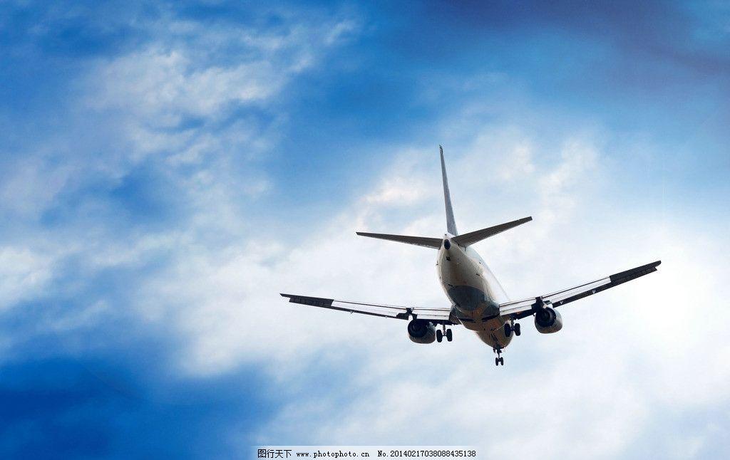 客机 天空 飞机 航班 交通 运输 蓝天 白云 云层 云彩 多云      交通