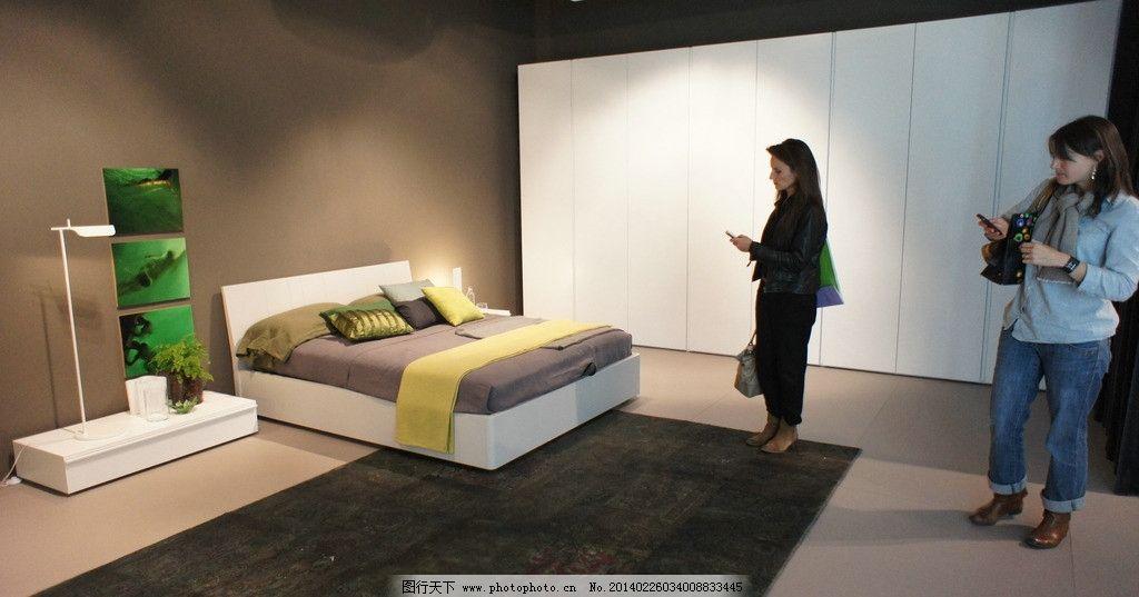 外国展会 国外展会 米兰家具展 外国人 床头柜 室内设计 家具摄影