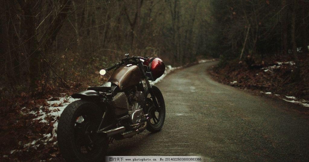 黑色摩托车 森林 道路 风景 桌面 背景 摄影