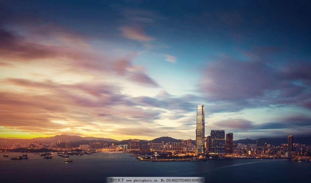 城市夕阳 欧洲 灯光 建筑 街道 楼房 天空 大海 海边 现代