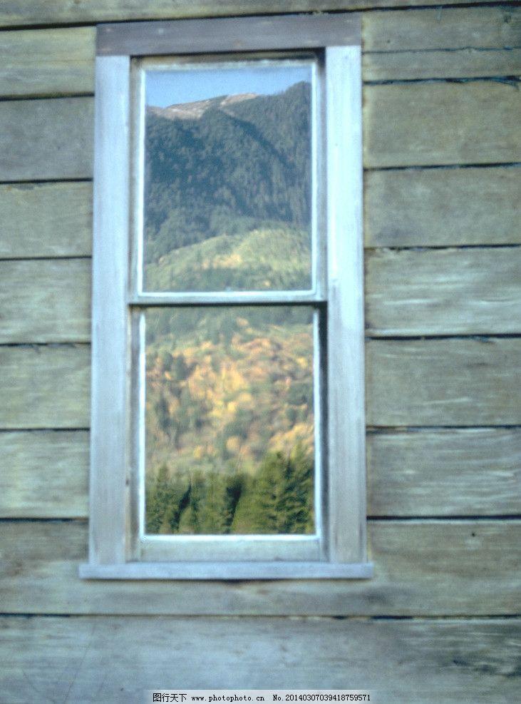窗户 木屋 窗口 玻璃窗 木板房 建筑摄影 建筑园林 摄影 300dpi jpg
