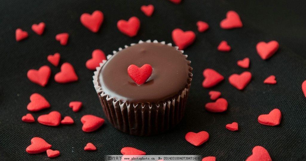 巧克力红心 黑色背景 高清壁纸 爱心 其他 餐饮美食 摄影