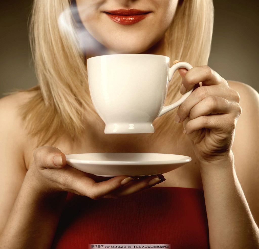喝咖啡美女图片